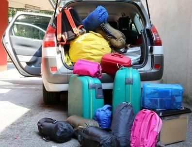 Tipps zur Fahrt in den Urlaub: Wissen Sie, in welchem Land zwei Warndreiecke nötig sind?